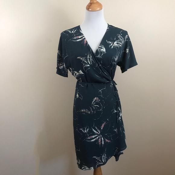 Babaton Dresses & Skirts - Artizia Babaton Floral Wrap Wallace Mini Dress